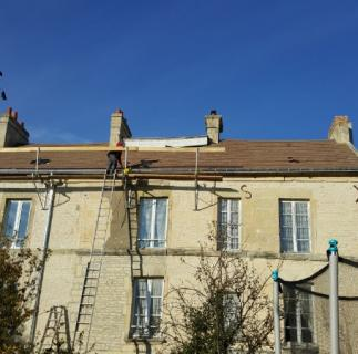 rénovation toiture en tuile mécanique a Fleury sur orne situe a 2 km de Caen